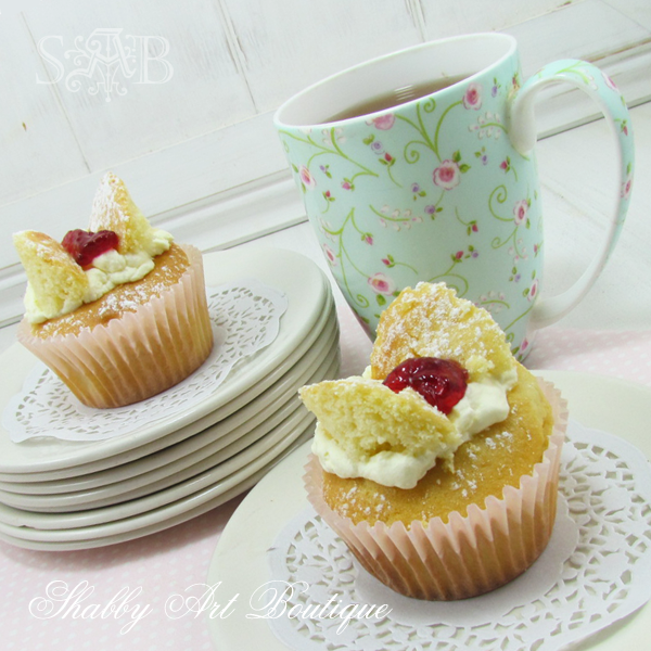 Shabby Art Boutique butterfly cakes 2