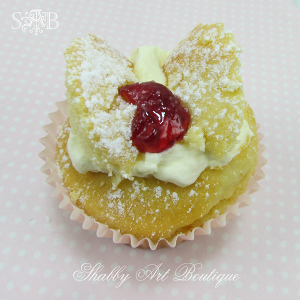 Shabby Art Boutique butterfly cakes 4