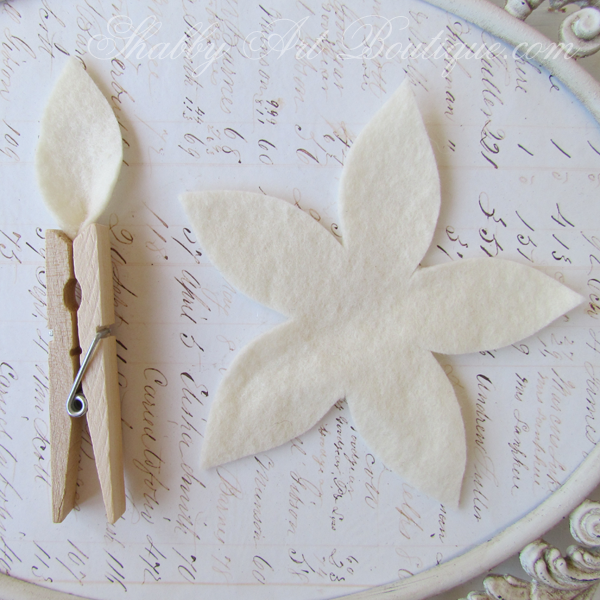 Shabby Art Boutique felt poinsettias5