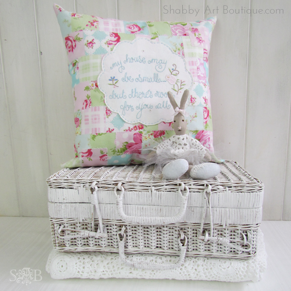 Shabby Art Boutique - Picnic basket make-over 3