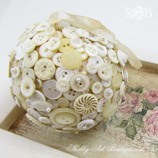 Shabby Art Boutique - Button Ball 14c