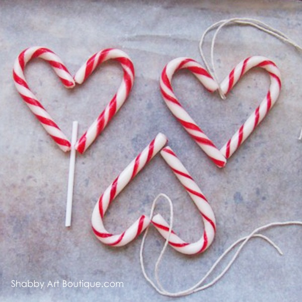 Quick and easy chocolate candy cane hearts shabby art