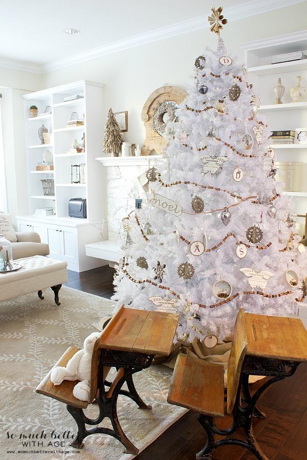 holiday-housewalk-white-christmas-tree