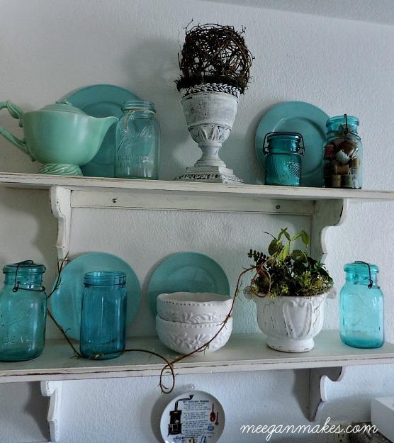 Blue-and-White-Summer-Shelves