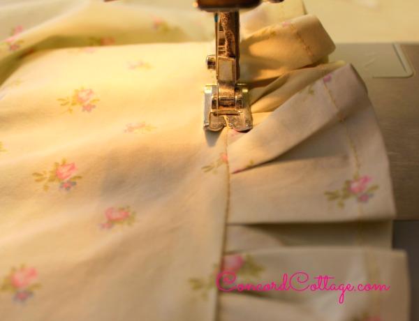 How-to-make-Ruffled-Pillowcases-12