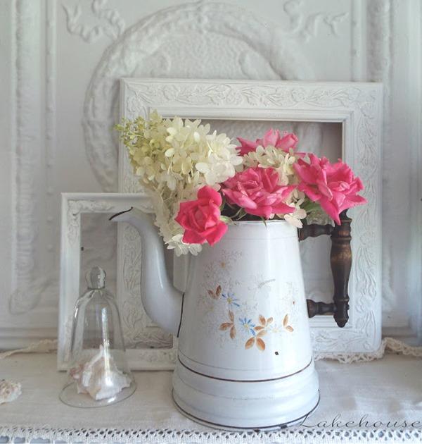 enamel pitcher 002