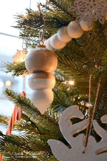 wooden ornaments 800b