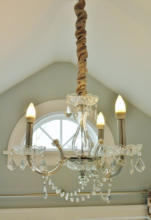 chandelier-after-closeup1-706x1024