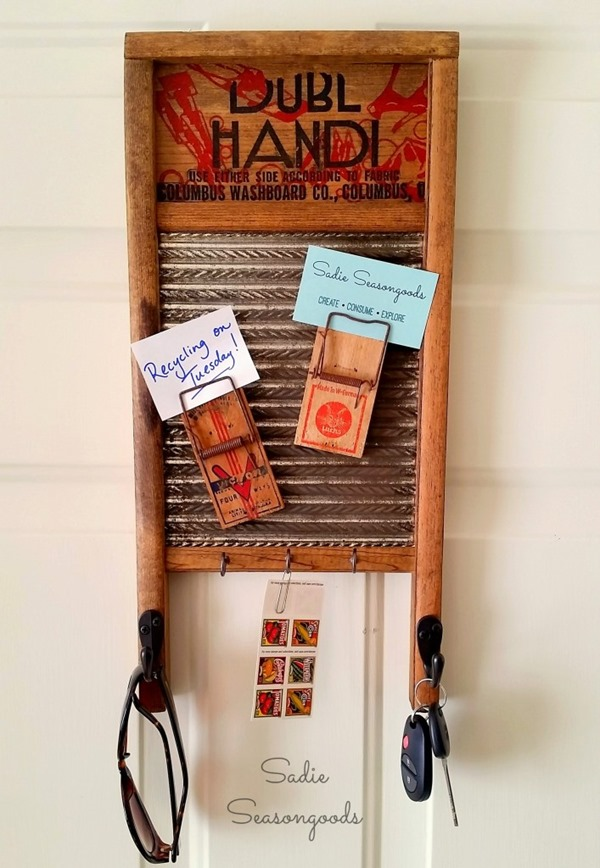 12_Creating_a_farmhouse_message_reminder_center_with_repurposed_vintage_washboard_and_mousetraps_Sadie_Seasongoods