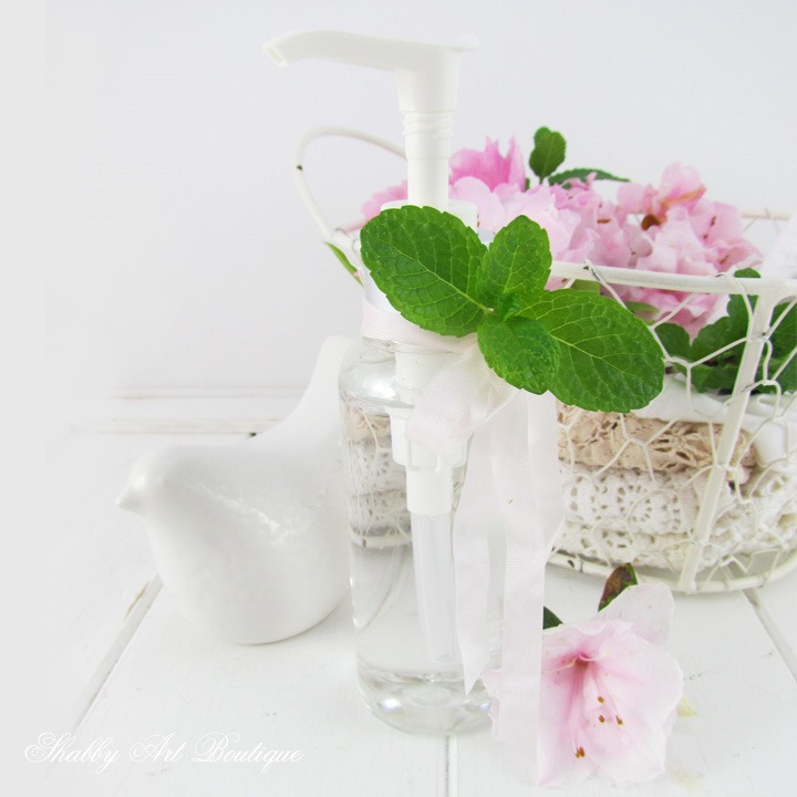 How to make peppermint cooling spray. Perfect for hot summer days and menopause hot flashes. Click to get the recipe from Shabby Art Boutique
