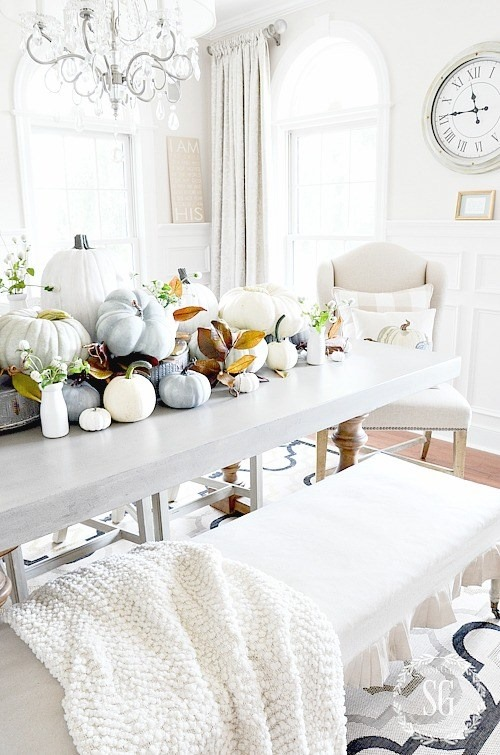 StoneGable is featured on Shabbilicious Sunday at Shabby Art Boutique. See how 8 fabulous bloggers decorate their homes using a soft and chic look for early fall.