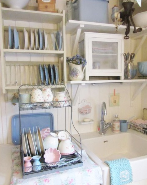 The gorgoeus cottage kitchen of Anke from lelofee - featured on  Shabbilicious Sunday at Shabby Art Boutique