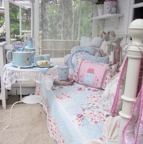 Anke lelofee - outdoor living -on Shabbilicious Sunday at Shabby Art Boutique