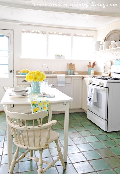 Shabbilicious Sunday takes a tour of Jennifers gorgeous 1865 farmhouse at Town and Country Living - cottage kitchen