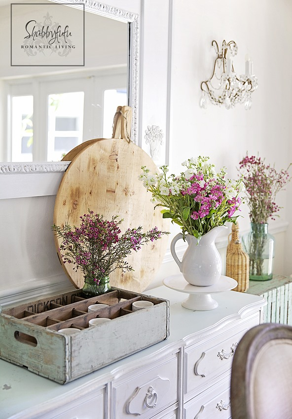 french farmhouse style kitchen for spring. Shabbilicious Sunday features Shabbyfufu for a home tour. Click now to visit Shabby Art Boutique for more or PIN to visit later.