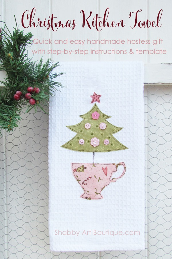 Handmade shabby Christmas kitchen towel by Shabby Art Boutique. Click to get step-by-step photo instructions and pattern template.