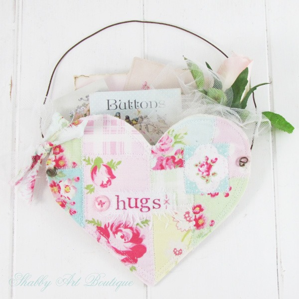 How to make a quick and easy faux patchwork heart pocket - full tutorial on Shabby Art Boutique