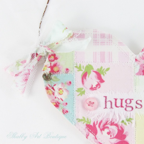 Shabby Art Boutique - How to make a sweet Heart Pocket