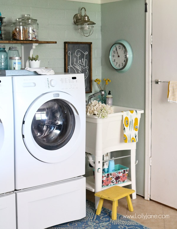 Easy-Farmhouse-Laundry-Room-Refresh