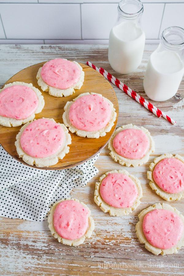 Strawberries-And-Cream-Sugar-Cookies-recipe