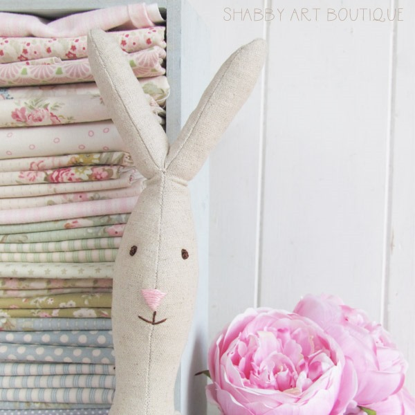 Close up of Rabbit face - tutorial and full sized pattern for Maileg look-a-like Rabbit from Shabby Art Boutique