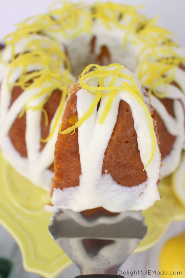 Lemon-Bundt-Cake-DelightfulEMade-vert2-683x1024