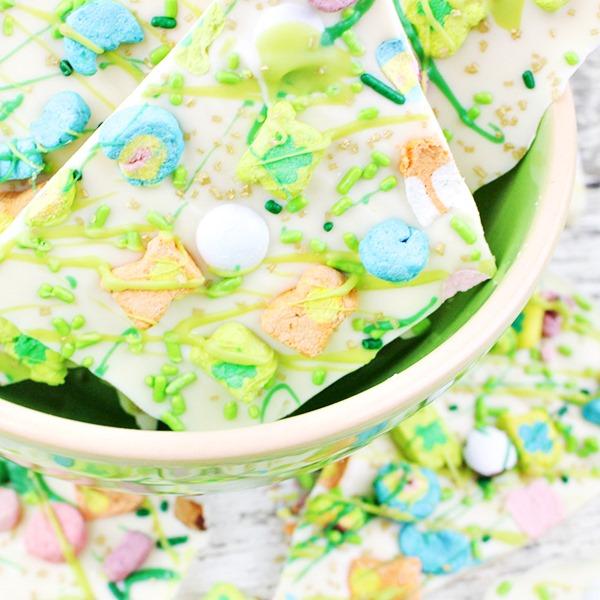 Lucky-Charms-Marshmallows-White-Chocolate-Bark-Recipe-11