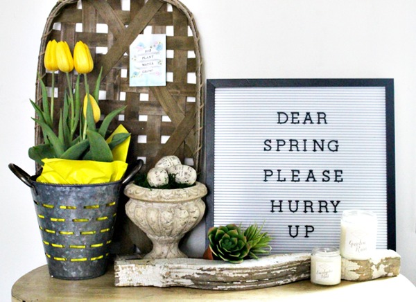 spring-farmhouse-vignette