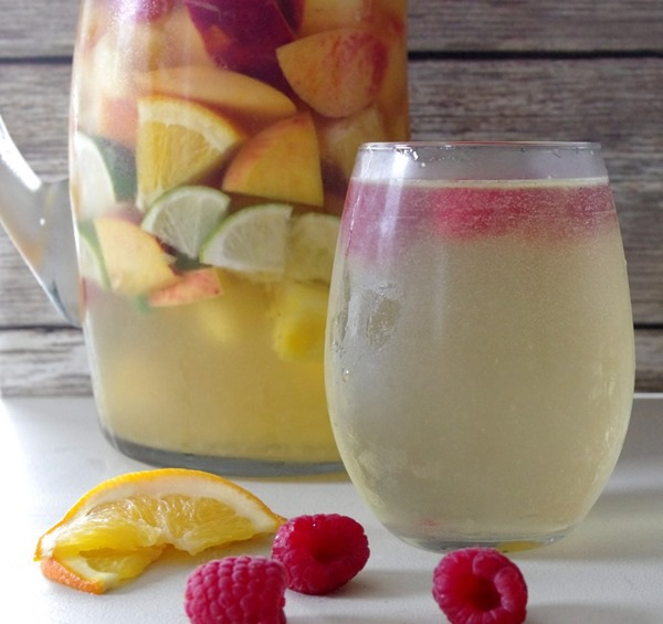 a-cool-glass-of-white-sangria
