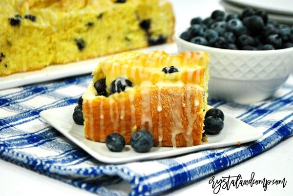 lemon-blueberry-breakfast-rolls-1024x687