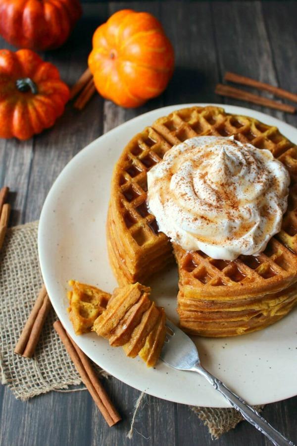 Pumpkin-Spice-Waffles-vert7