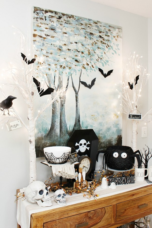 Halloween-decor-ideas-black-and-white-from-Clean-and-Scentsible