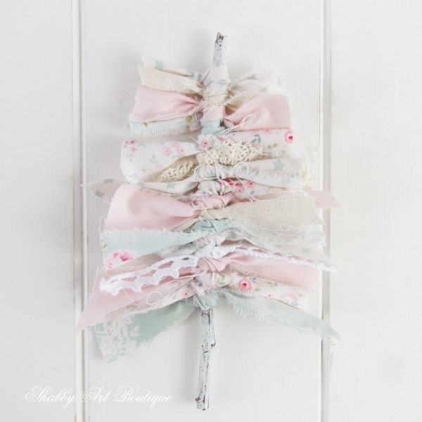 Tutorial for making a shabby Christmas tree tag - step 4 - Shabby Art Boutique