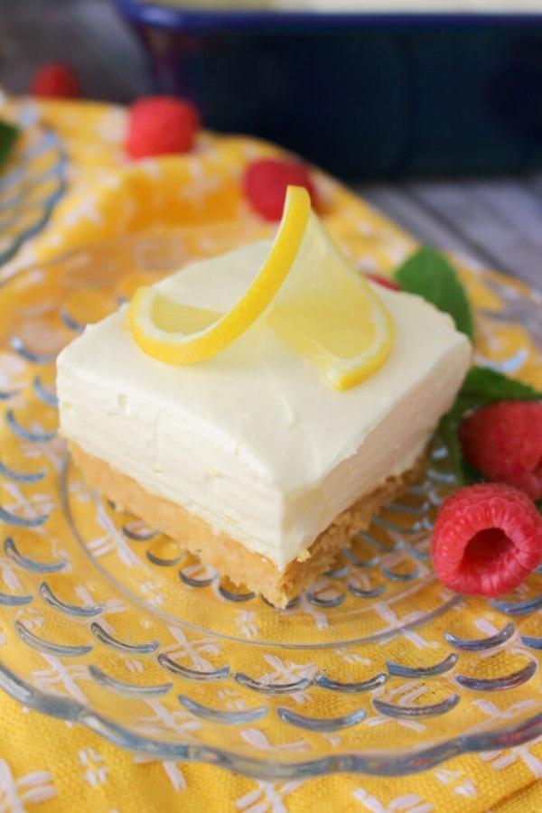 No-Bake-Lemon-Cheesecake-Bars-vert10
