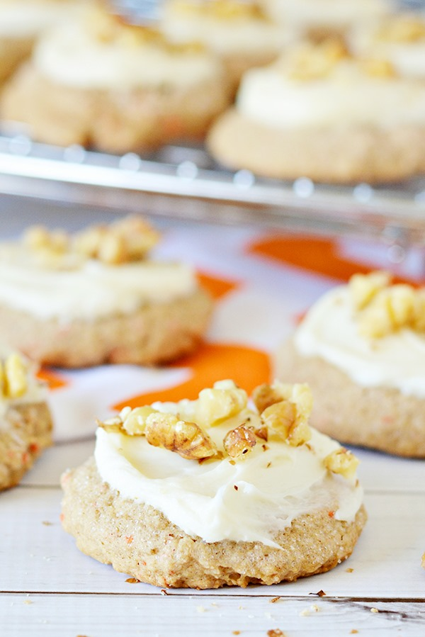 Carrot-Cake-Mix-Cookies-Recipe-with-Cream-Cheese-Frosting-7