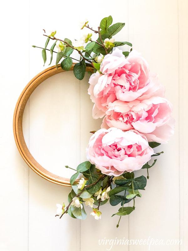 Spring-Embroidery-Hoop-Wreath-3
