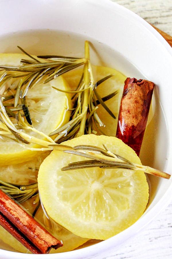 Lemon-and-Rosemary-Stovetop-Potpourri-Recipe-5