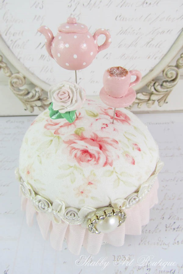 How to make pretty pin toppers for your pincushions - a tutorial by Shabby Art Boutique