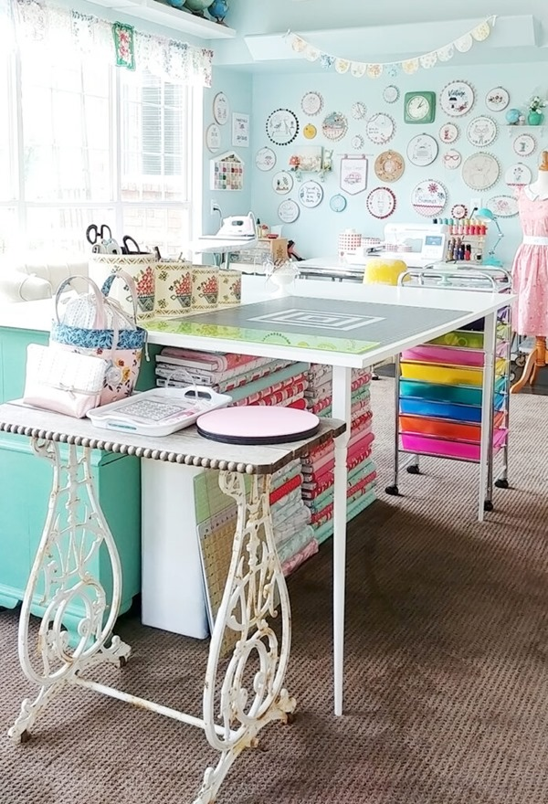 Colorful-Vintage-Sewing-Room-698x1024