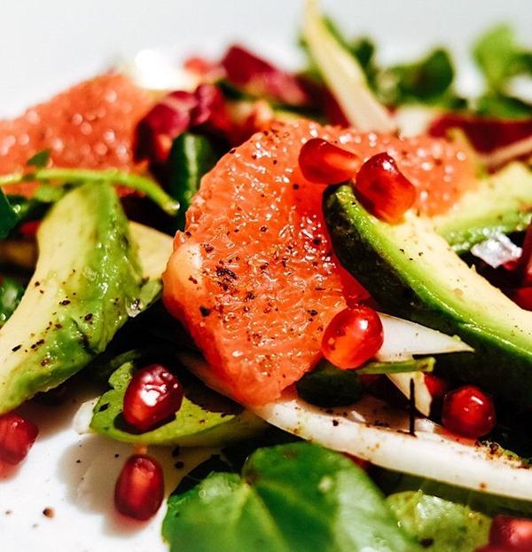 Grapefruit-Avocado-Salad-Pomegranate