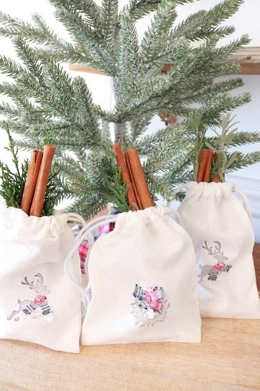 Christmas-Muslin-Gift-Bags-under-tree-closeup-3-bags