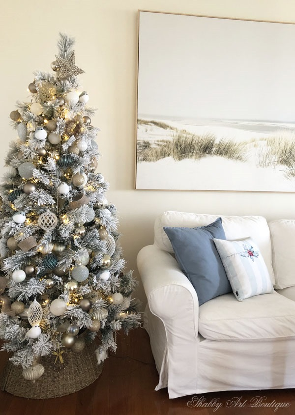 2019 soft and romantic Christmas in the living and dining room at Shabby Art Boutique
