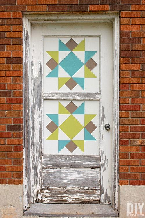 DIY-barn-quilt-door