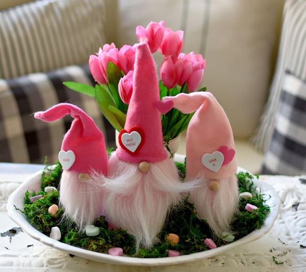 Valentine-gnomes-5