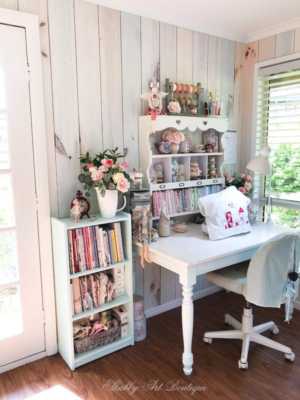 A mini make-over in the Shabby Art Boutique craft room with shabby wallpaper by Photowall - sewing corner