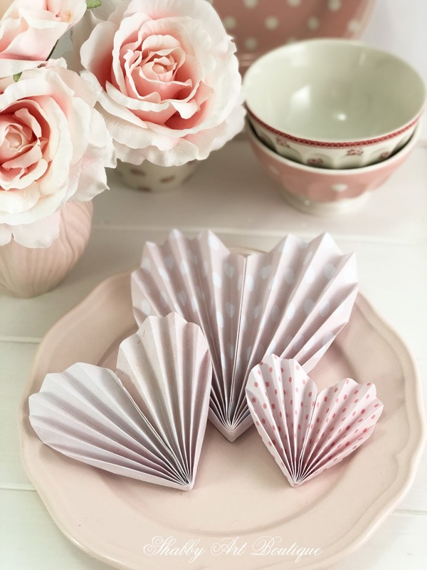 How to make paper hearts for Valentines day by Shabby Art Boutique