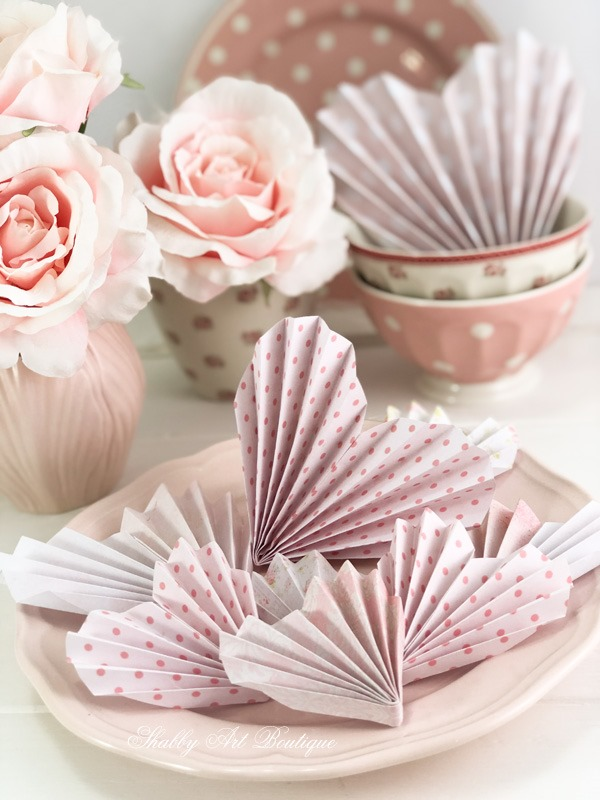 How to make quick and easy paper hearts for Valentines Day by Shabby Art Boutique