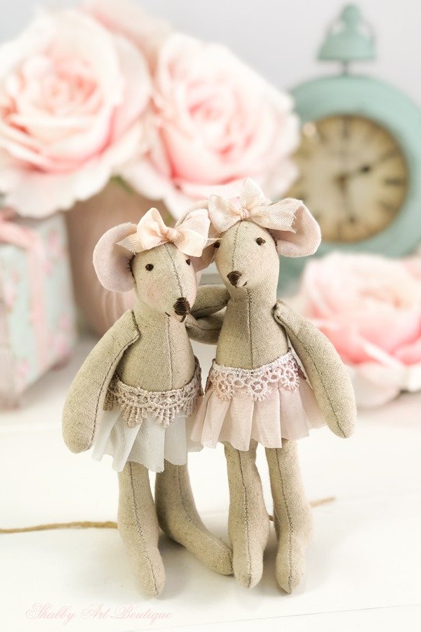 Free pattern for Little Mouse from Shabby Art Boutique