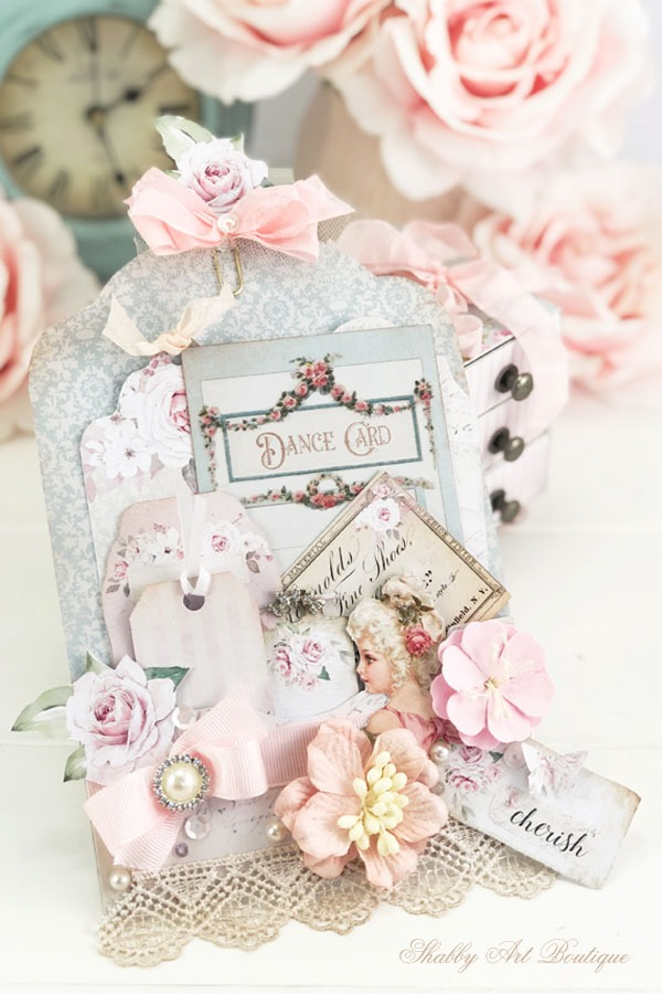 How to make a beautiful Victorian loaded pocket using the printables from Shabby Art Boutique