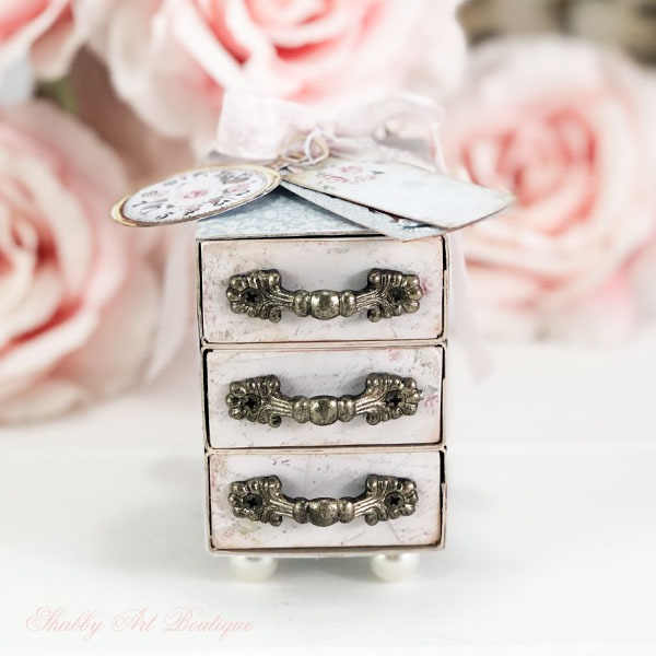 How to make a sweet Victorian Gift Box by Shabby Art Boutique